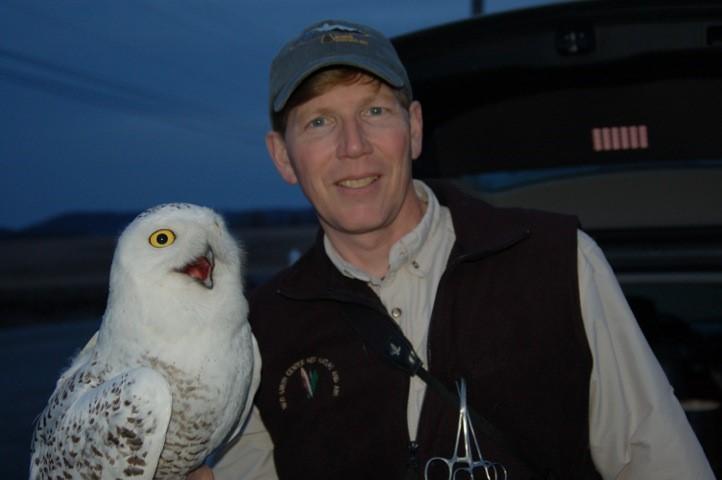 Scott Weidensaul and Snowy Owl © Scott Weidensaul